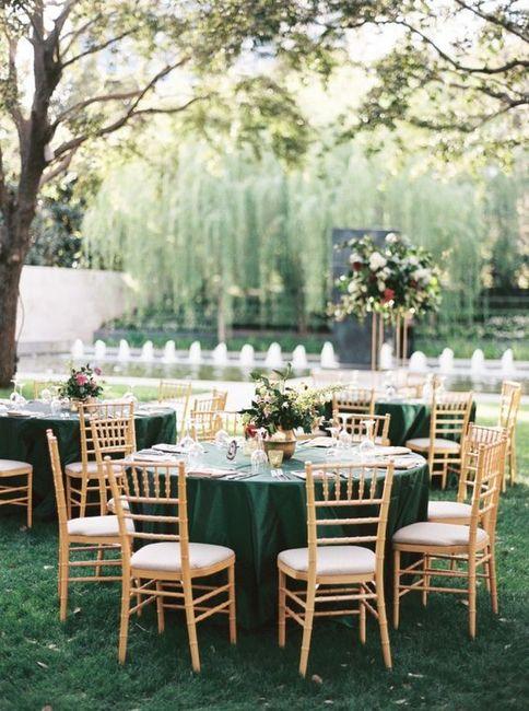Verde esmeralda y dorado como colores de matrimonio 4