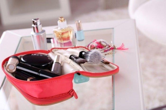 ¿Qué no puede faltar en tu cosmetiquero? 1