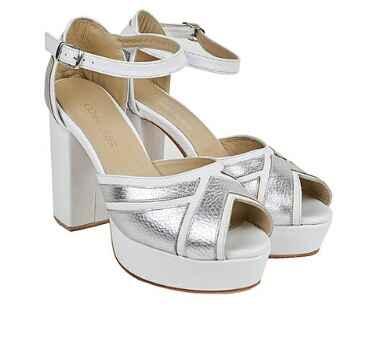 Novia con zapatos tradicionales o de colores? - 2