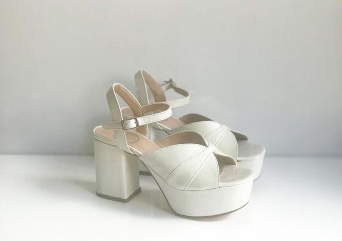 Elige tus zapatillas de novia ¡AQUÍ!👇👟 - 1