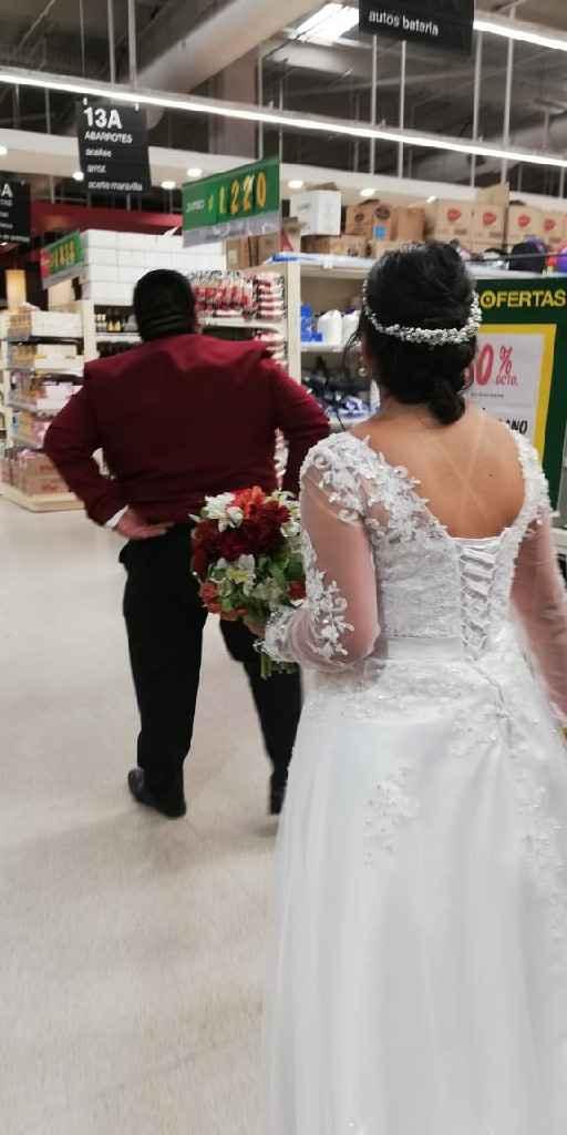 Vestidos de novia: ¿cierre o corsé? - 1