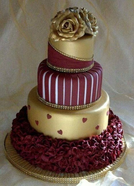 Graduation Cakes With Maroon Roses