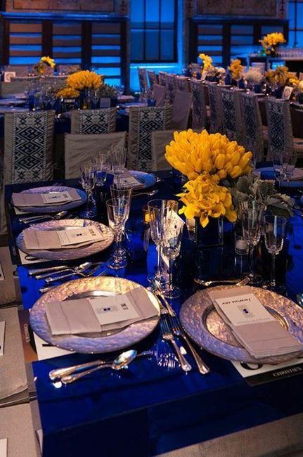 Mesas y manteles de inspiración azul 2