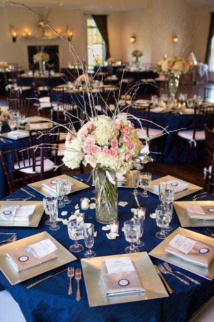 Mesas y manteles de inspiración azul 4