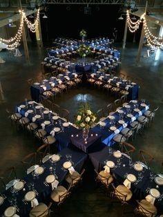 Mesas y manteles de inspiración azul 8