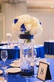 Mesas y manteles de inspiración azul 9
