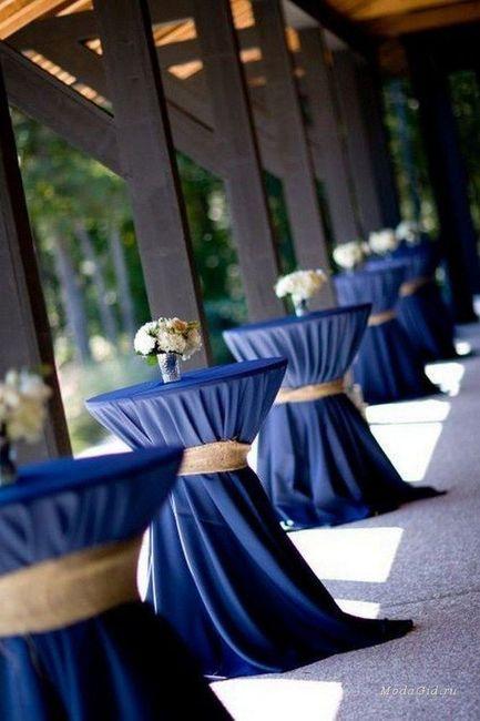 Mesas y manteles de inspiración azul 10