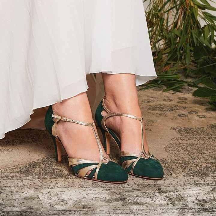 Zapatos no blancos - 1