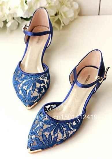 Zapatos no blancos - 2