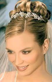 Peinados altos de boda