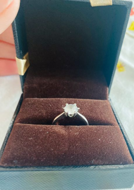 ✨ ¡Muéstranos tu anillo! 5