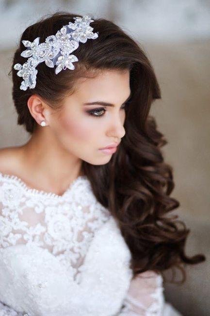 Peinados de novia recogido al lado
