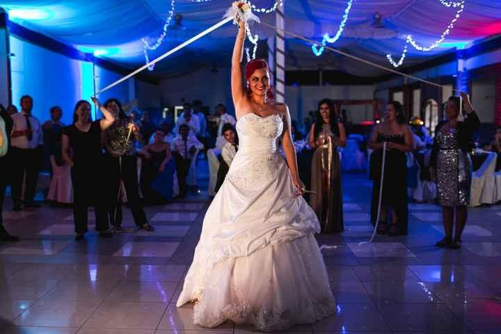 ¿Cuál es la marca de su vestido de novia? 👗 - 4