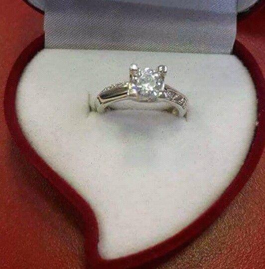 Marilo, mi anillo de compromiso 1