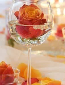 Arreglos mesas con copas y vasos for Centros de mesa con copas