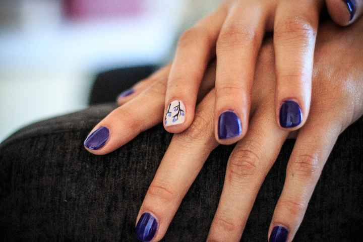 Manicure diseño a mano alzada