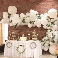 ¿Sí o No a este adorno con globo y flores? - 1