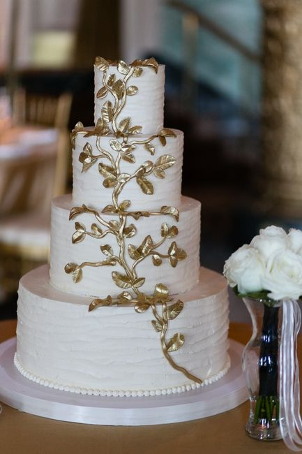 white and gold wedding cake ideas torta de matrimonio metalizada 27205