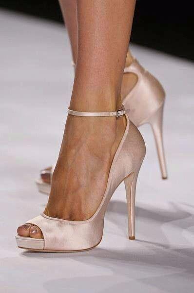 ¡VOTA por 1 de estos zapatos de admin! 2