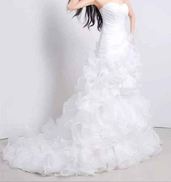 Ayudarás con mi vestido - 1