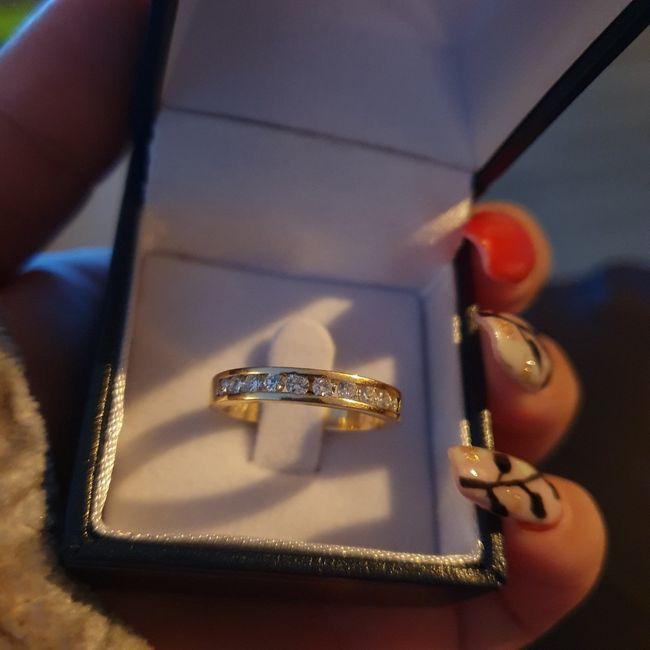 ✨ ¡Muéstranos tu anillo! 4