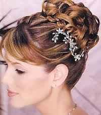 Cómo combinar tu escote y peinado de novia - 4