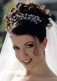 Cómo combinar tu escote y peinado de novia - 5