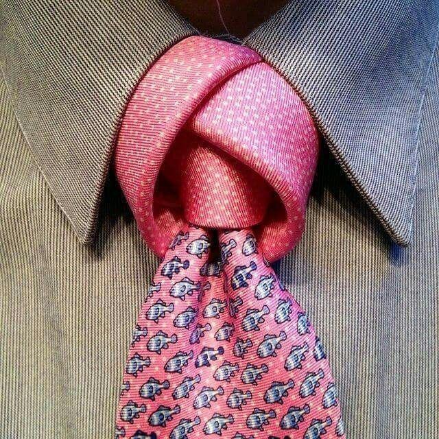 Dise os de nudos para corbatas for Disenos de corbatas