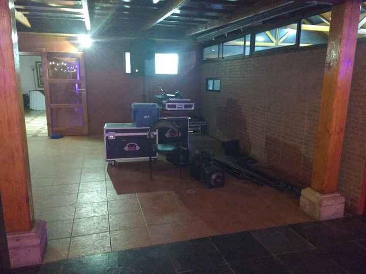 Espacio de Baile y DJ- Las Secoyas