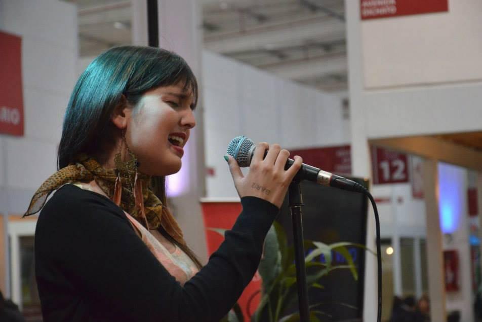 Carla Verdugo Cantante