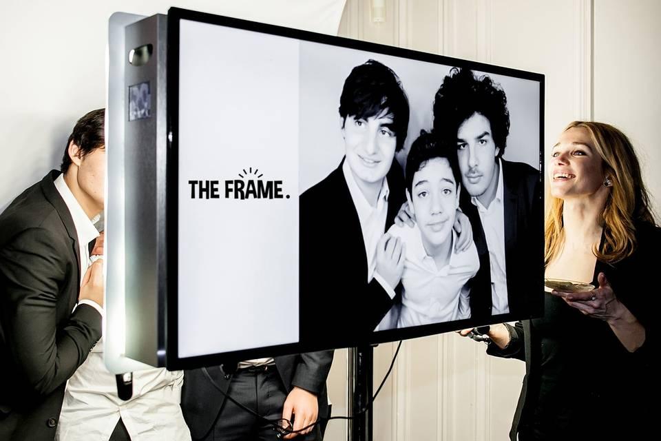 The Frame Selfie