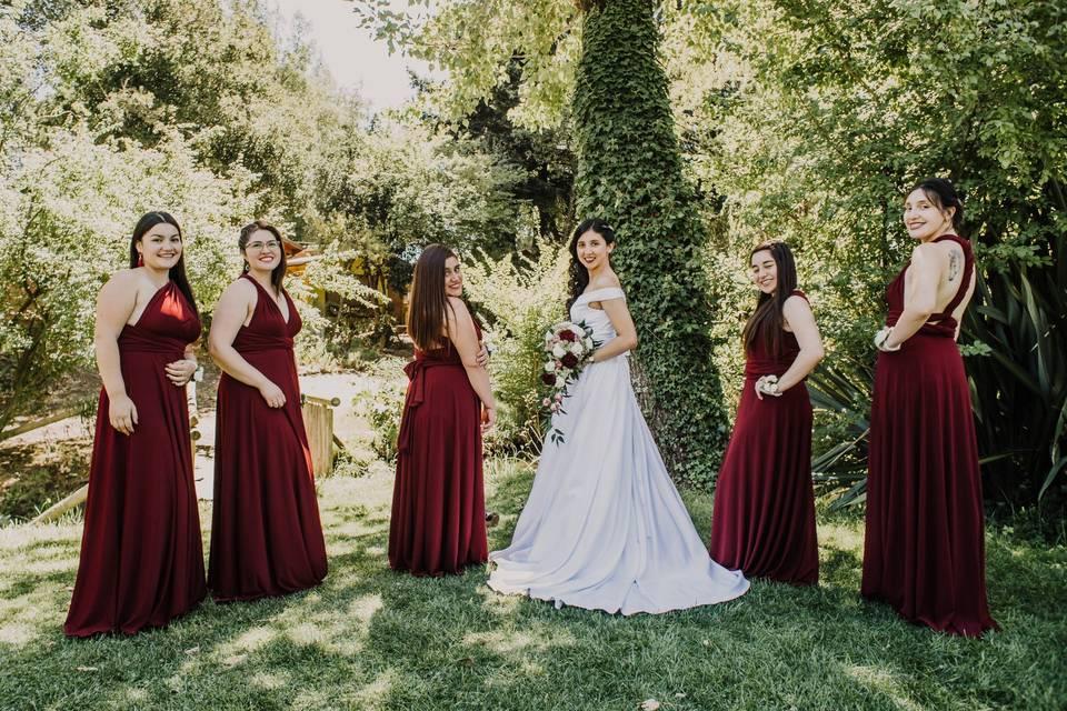 Damas de honor y novia
