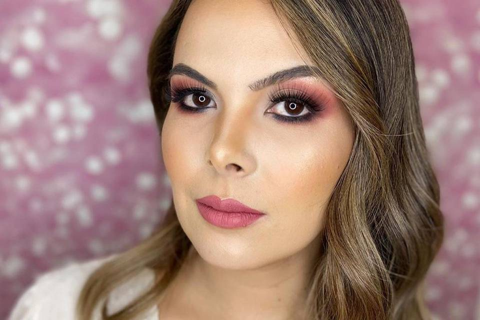 Vicky Ferrer Makeup