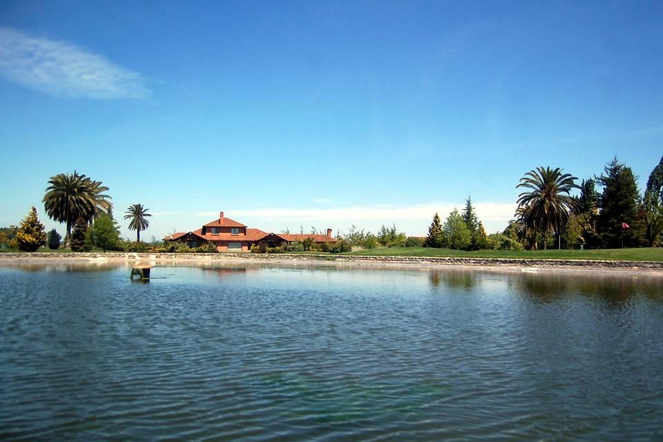Laguna villa golf