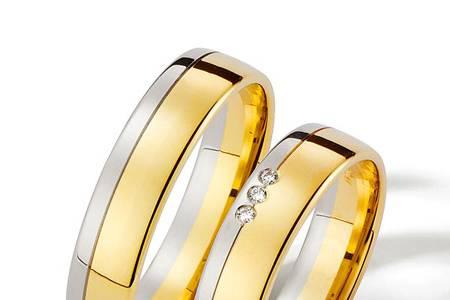 Oro blanco y amarillo y brilla
