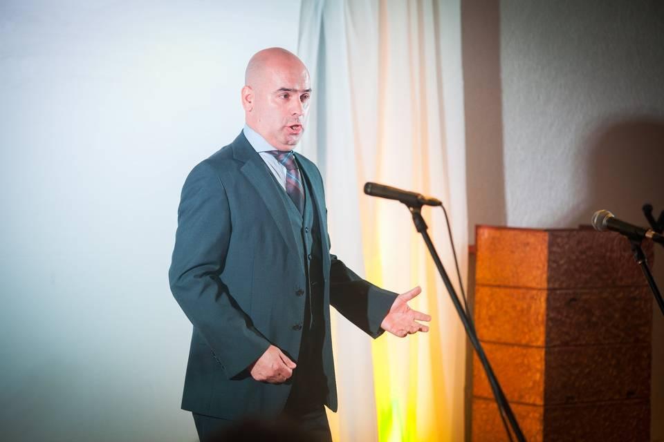 Tenor Ángel Fuentes