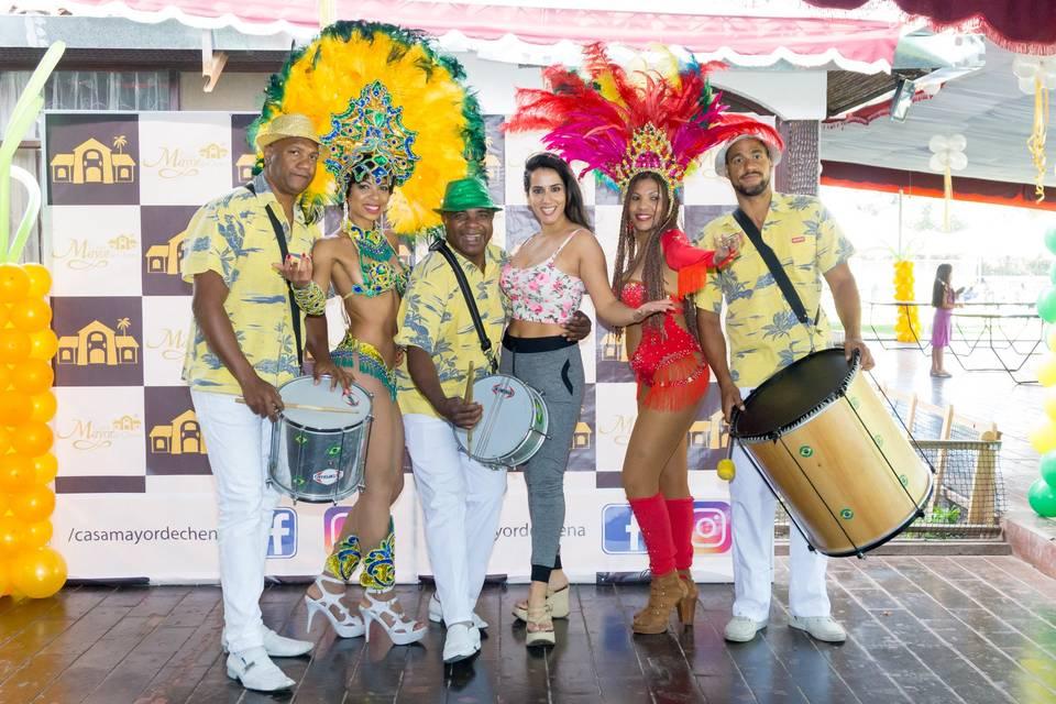 Mila Correa &  Mais Producciones